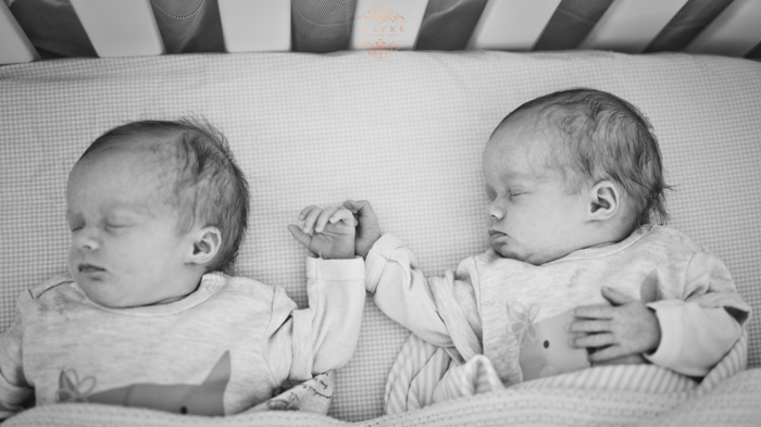 Riley & Stella Newborn preview low res3
