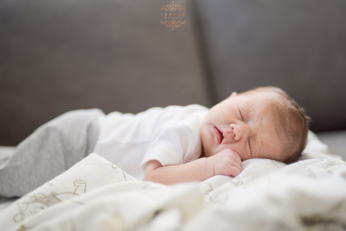 leah-newborn-preview-low-res25
